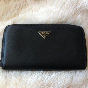 Authentic Prada Zip Wallet ✨